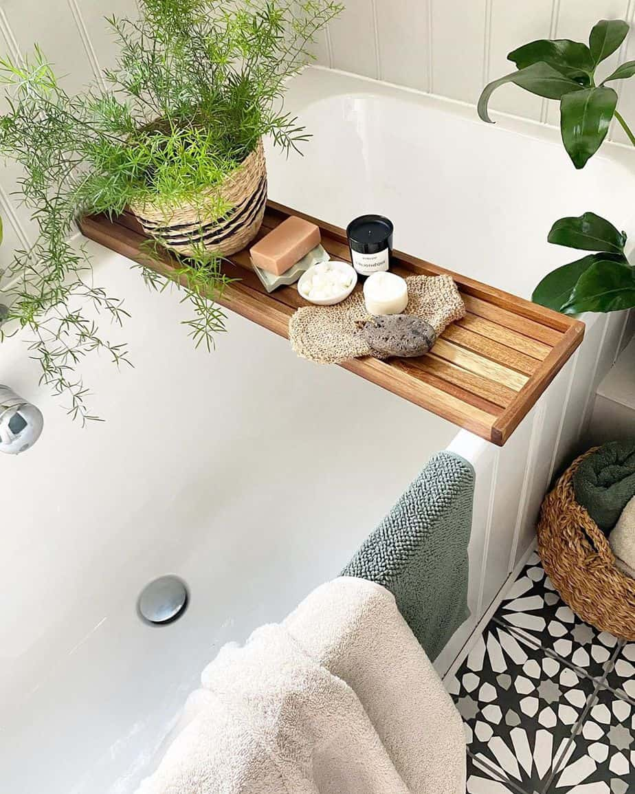 8 tips for making any bathroom feel brighter